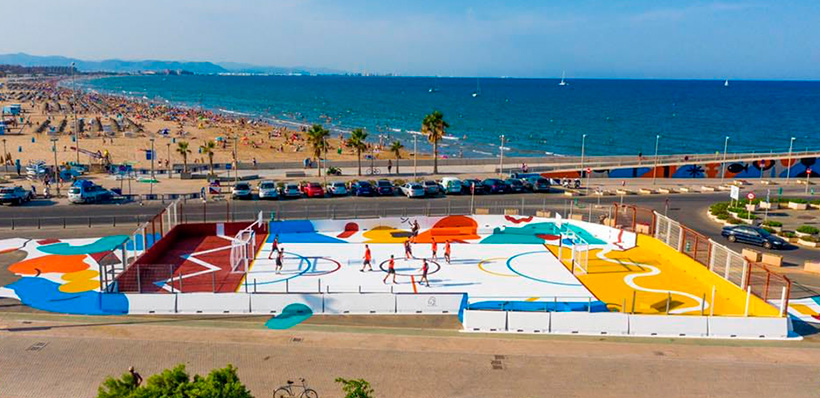 Fixer is taking part in the multi-coloured sports area project in the Valencia Marina 1 - Fixer